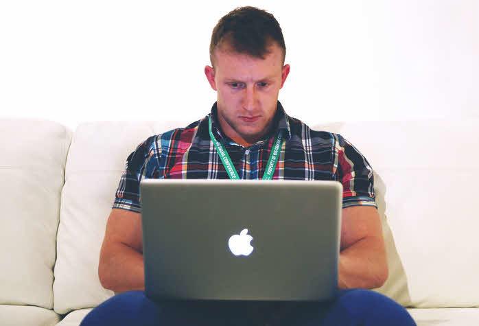 Man on mac online Business Stef Grandgi